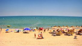 Центральный пляж и море в Счастливцево