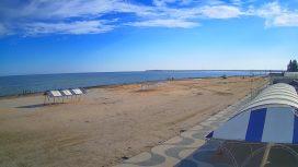 Веб-камера Геническа — набережная и пляж